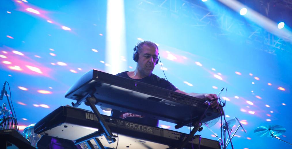 Концертът на Слави Трифонов и Ку-ку бенд на живо в Интернет Image 30