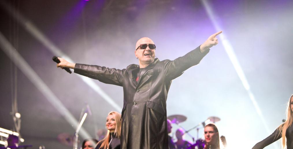 Концертът на Слави Трифонов и Ку-ку бенд на живо в Интернет Image 28