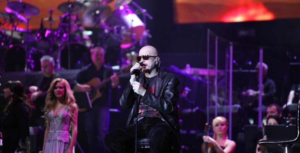 Концертът на Слави Трифонов и Ку-ку бенд на живо в Интернет Image 29